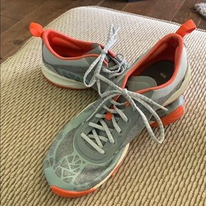 Merrell size 6 running shoes